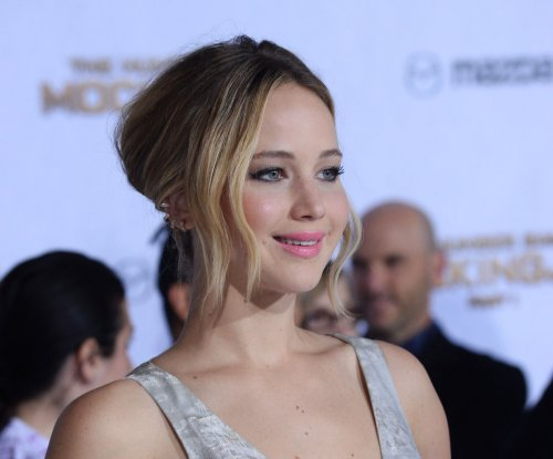 Jennifer Lawrence calls reports of rift with director David O. Russell 'malarkey'