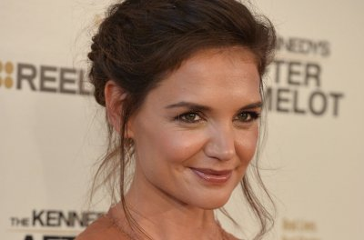 Katie Holmes: Suri was 'hurt' when Hillary Clinton lost election