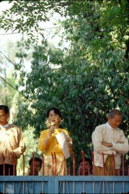 UN secretary calls for release of Suu Kyi
