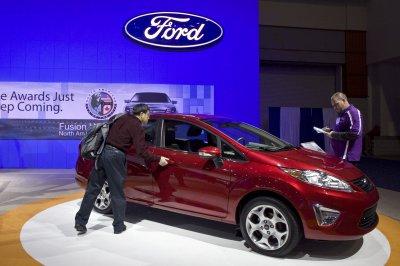 Bailout snubber Ford posts a profit