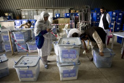 U.N. recommits to Afghan vote audit despite campaign withdrawals