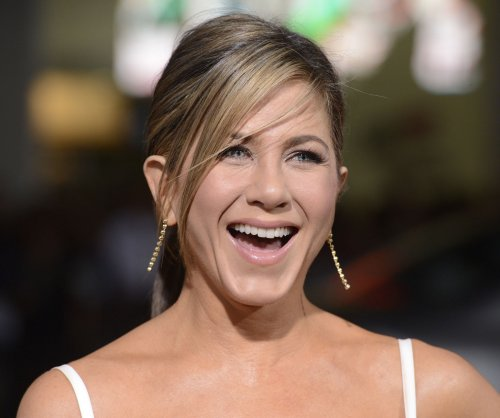 Jennifer Aniston may join 'Mean Moms' in lead role