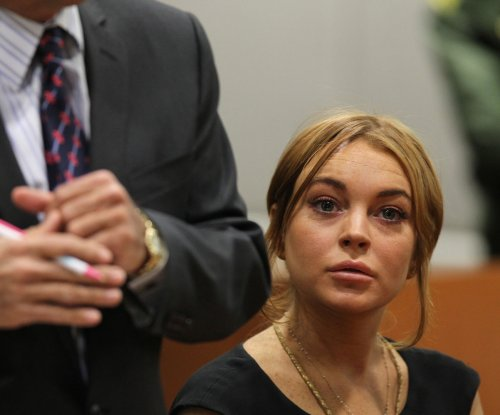 Lindsay Lohan fails to complete community service, may face arrest
