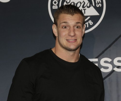 New England Patriots' Rob Gronkowski leaves practice with apparent injury
