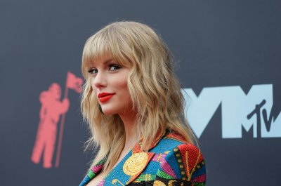 Taylor Swift to perform, receive Artist of the Decade at AMAs