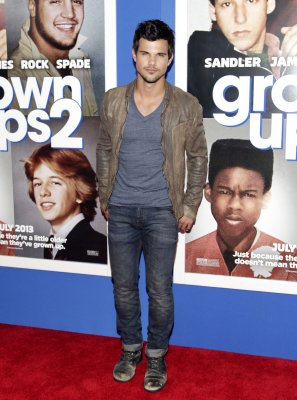 Taylor Lautner to star in BBC comedy 'Cuckoo'