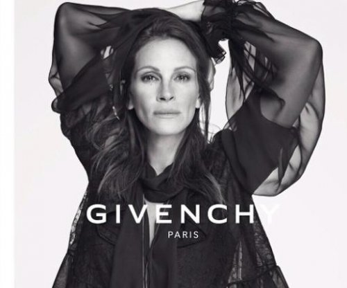 Julia Roberts goes makeup-free in new Givenchy campaign