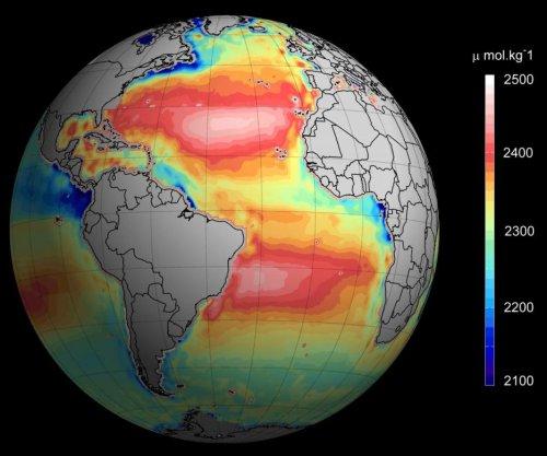 Satellite images help build new ocean acidification maps