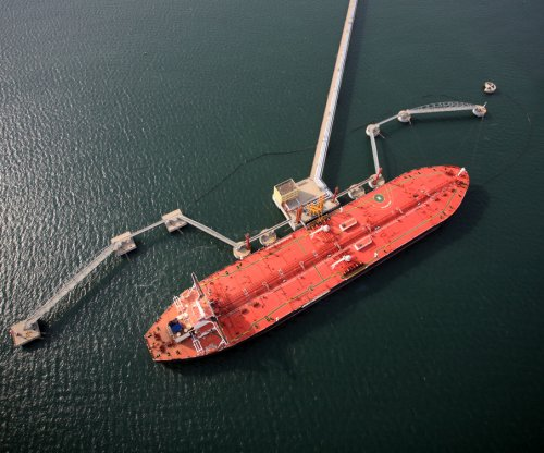 Report: U.S. incomes increase with oil exports
