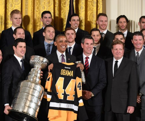 Obama honors Pittsburgh Penguins at White House, takes jab at Phil Kessel