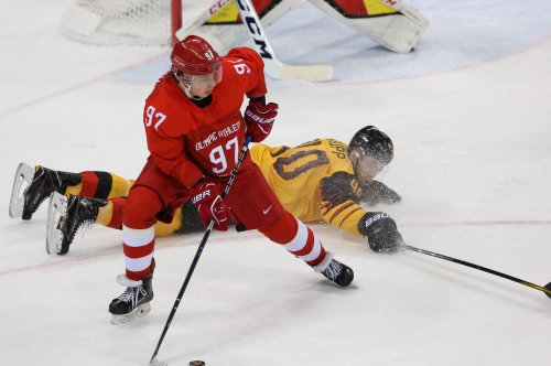 Russia wins men's ice hockey gold with 'golden goal'
