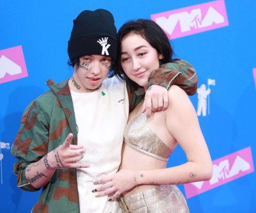 Lil Xan expecting first child with girlfriend Annie Smith
