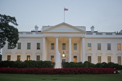 White House proposes student loan limits