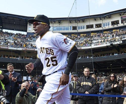 Matt Joyce powers Pittsburgh Pirates in win over Atlanta Braves