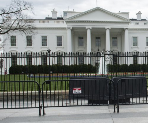 Secret Service apprehends White House barrier jumper