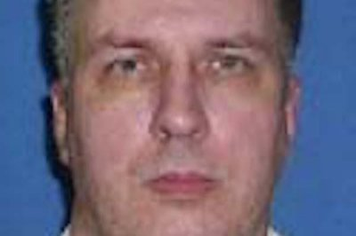 Federal judge delays execution of 'Texas Seven' prisoner