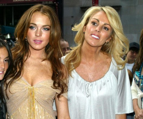 Lindsay Lohan, Dina Lohan sue Fox News over cocaine use remarks
