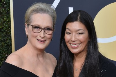 Meryl Streep confirms Mariah Carey 'stole' her seat at Golden Globes
