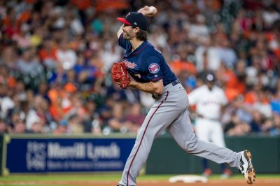 Angels trade for Twins RHP John Curtiss