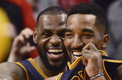 Los Angeles Lakers to sign ex-Cleveland Cavaliers guard J.R. Smith