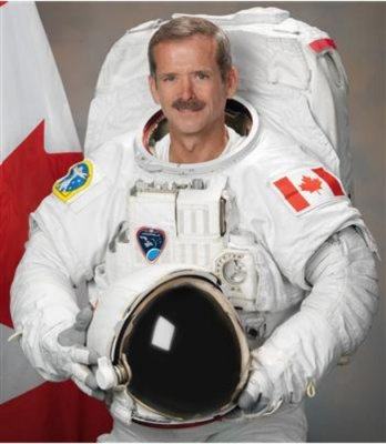 Space station astronaut, commander Chris Hadfield announces retirement