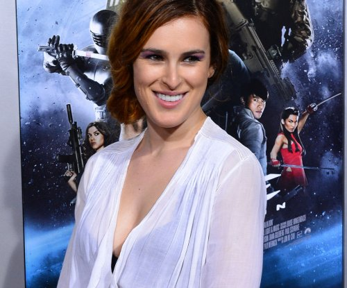 'Dancing' contestant Rumer Willis overcame cyberbullying with confidence, support from family