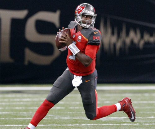 Jameis Winston gets little help in Bucs' loss to Texans