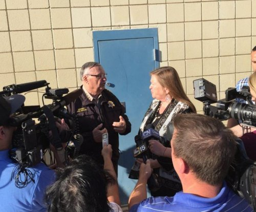 Sanders' wife calls 'tent city' jail conditions 'inhumane' after tour with Sheriff Arpaio