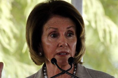 Pelosi mocks Ryan for 'hiding' from press over Trump controversy