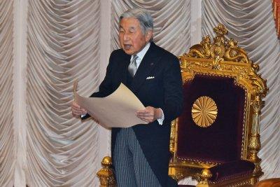 Japan's Emperor Akihito signals desire to abdicate
