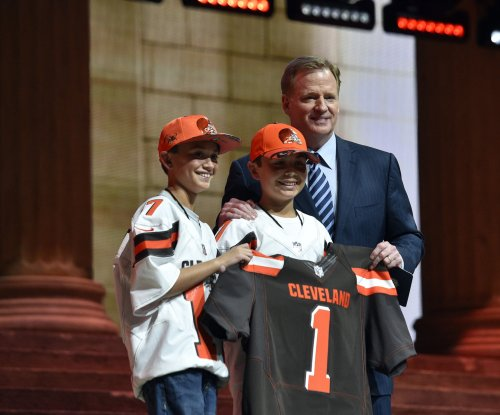 Cleveland Browns add elite defensive playmakers, TE with three first-round picks