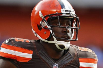 Indianapolis Colts claim former Browns TE Randall Telfer off waivers