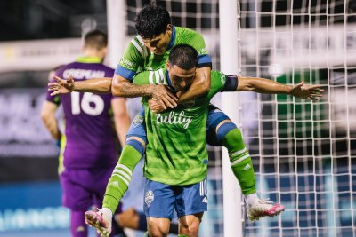 MLS Cup final, UFC-boxing title bouts headline sports weekend