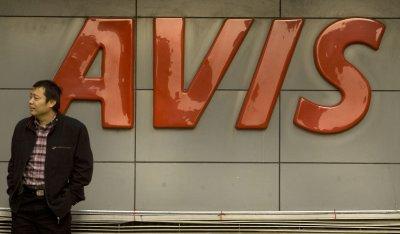 Avis to buy Zipcar for $500 million
