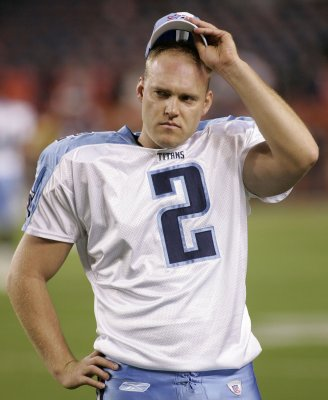 Former Titans kicker dies in car crash