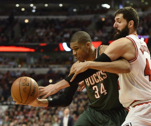 Giannis Antetokounmpo leads Milwaukee Bucks over Utah Jazz