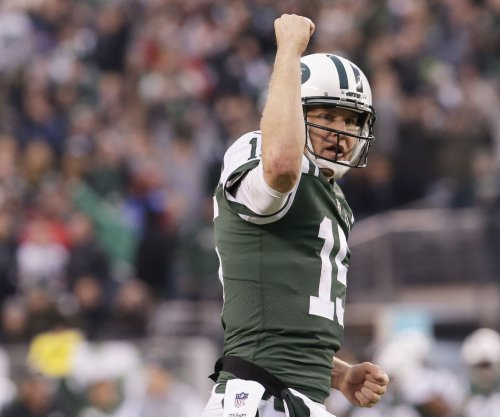 Josh McCown: Broken hand clouds rest of season for New York Jets QB