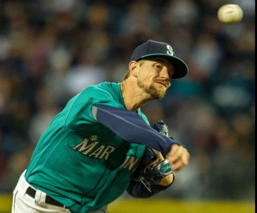 Mariners look to keep rolling vs. Rays