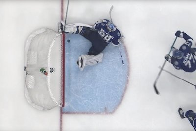 Lightning GK Andrei Vasilevskiy makes incredible skate save vs. Leafs