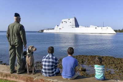 USS Zumwalt destroyer visits Pearl Harbor for first time