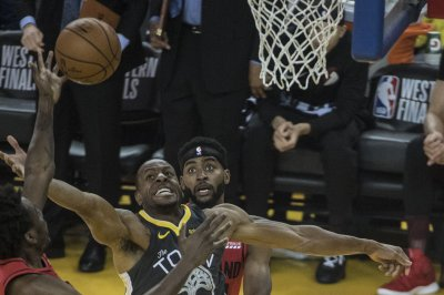 Warriors' Andre Iguodala will have MRI for leg injury