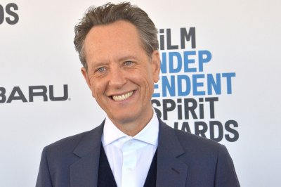 Richard E. Grant talks wanting a muscle suit for 'Loki' role on 'Kimmel'
