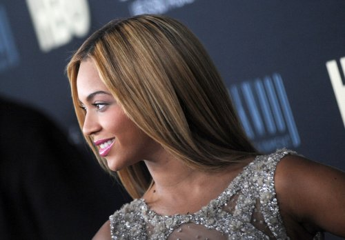 Fan slaps Beyonce's buttocks during Copenhagen concert