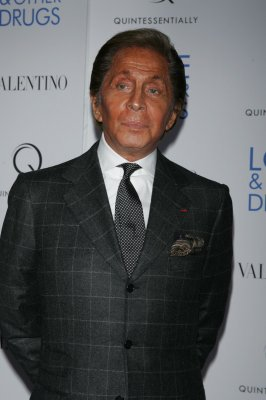 Valentino apologizes for untimely self-promotion