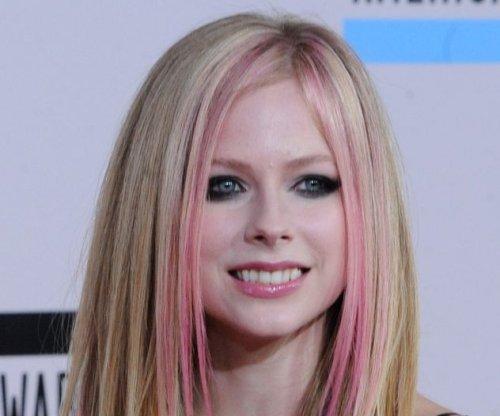 Avril Lavigne reveals struggle with Lyme disease