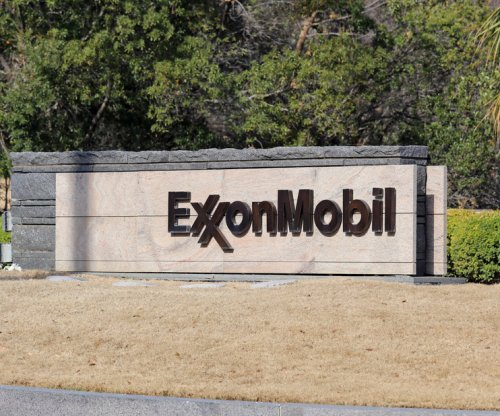 Exxon denies reports on review of U.S.-Iranian ties