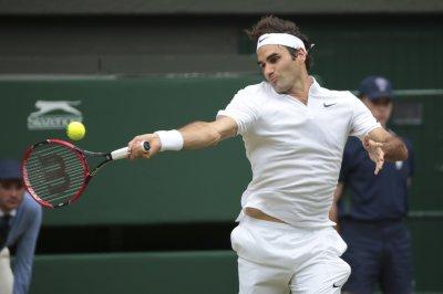 Roger Federer wins Australian Open in five-set classic