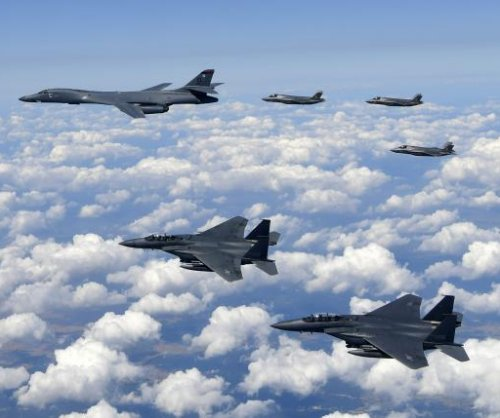 U.S., South Korea conduct bombing drills to warn North