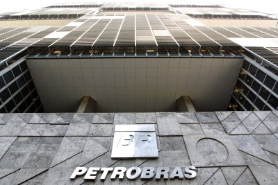 Petrobras to expand domestic oil production by 10 percent in 2019
