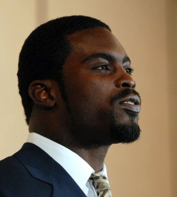 Vick sentenced to 23 months in prison